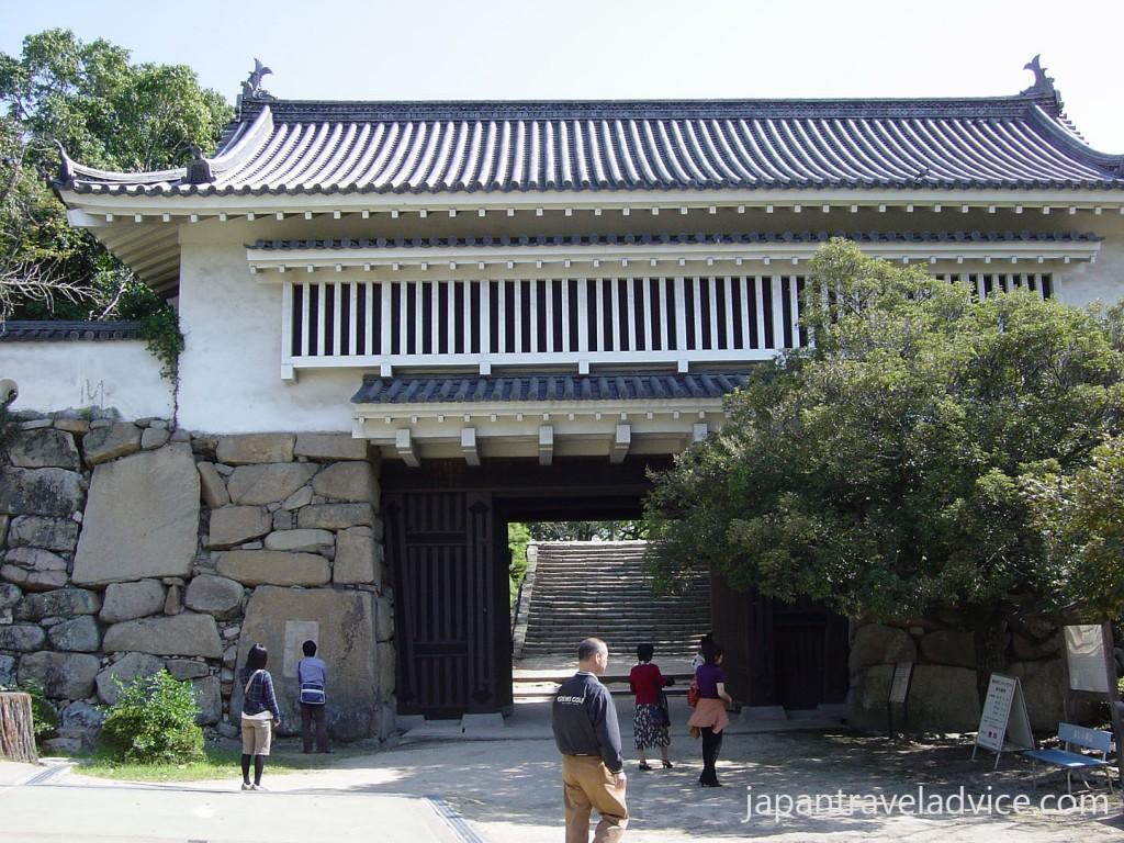 Okayama Castle Akazu no mon Gate